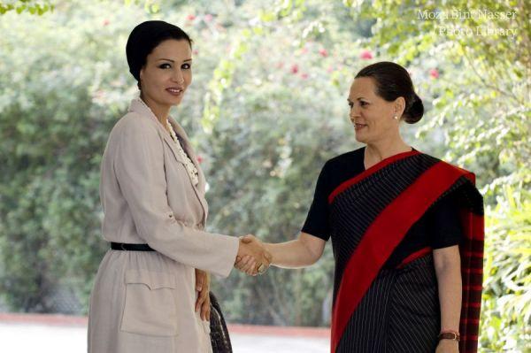HH Sheikha Moza holds talks with  Sonia Gandhi