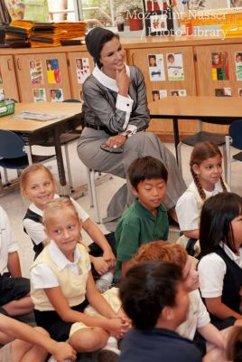 HH Sheikha Moza Visits an independent primary school in Los Angeles