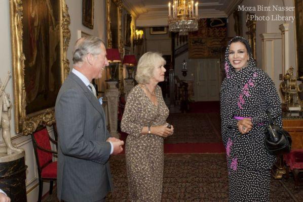 HH Sheikha Moza meets HRH Prince Charles and Duchess Camilia