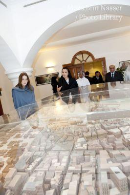 صاحبة السمو الشيخة موزة بنت ناصر المسند تستقبل السيدة كارلا بروني ساركوزي
