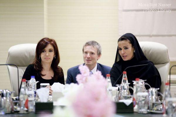صاحبة السمو الشيخه موزا تلتقي بفخامة الرئيسة كريستينا فرنانديزدي كيرشنر رئيسة جمهورية الأرجنتين