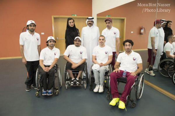 صاحبا السمو يشاركان في فعاليات اليوم الرياضي بمؤسسة قطر