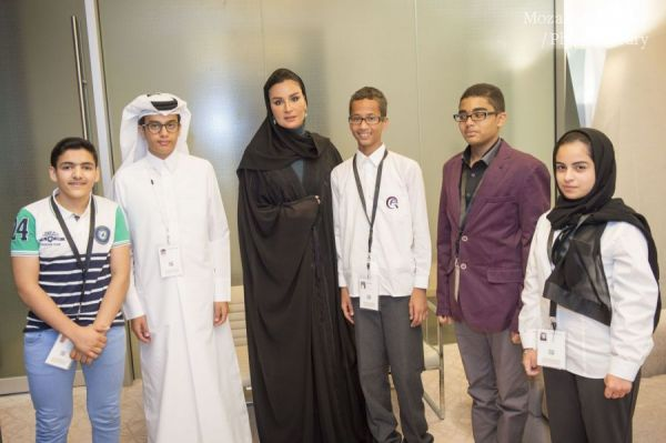 HH Sheikha Moza meets the 'Young Innovators' at WISE 2015