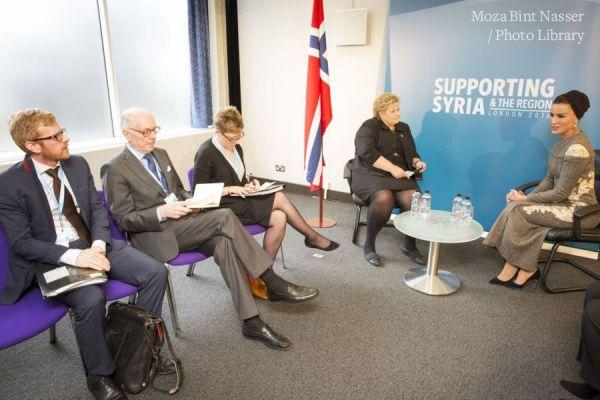 صاحبة السمو الشيخة موزا تجتمع برئيسة وزراء النرويج
