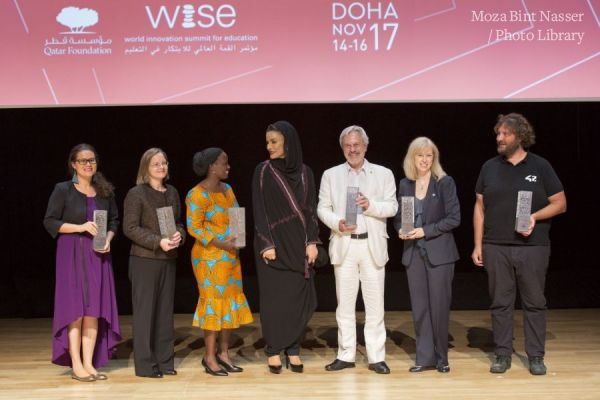 HH Sheikha Moza with the 2017 WISE Award winners