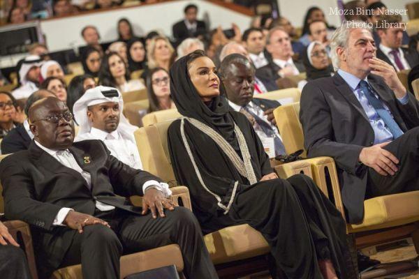 صاحبة السمو الشيخه موزا في الجلسة النقاشية للتعليم فوق الجميع خلال وايز 2017