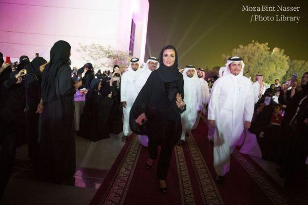 صاحبة السمو الشيخه موزا تشهد حفل لم الشمل التاسع لخريجي جامعة قطر