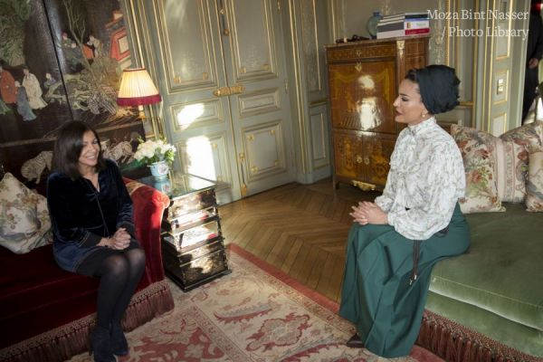 HH Sheikha Moza meets with Mayor of Paris