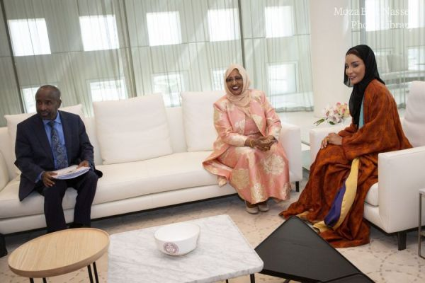 HH Sheikha Moza meets with First Lady of Somalia