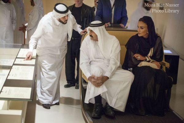 صاحبا السمو يقوما بجولة في متحف قطر الوطني