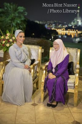HH Sheikha Moza attends banquet hosted by Malaysian Deputy Prime Minister
