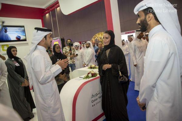 صاحبة السمو الشيخة موزا في زيارة للنسخة الثالثة من مهرجان نجاح قطري