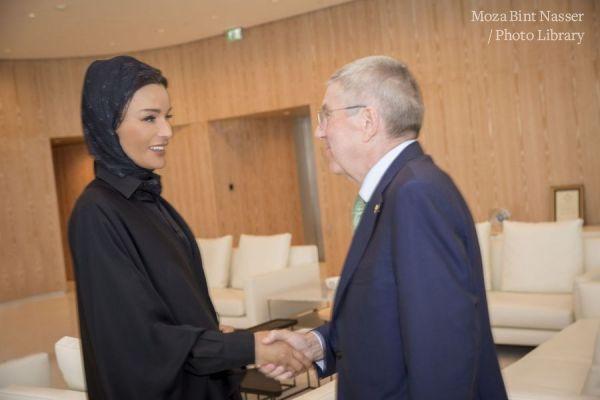 صاحبة السمو الشيخة موزا تجتمع مع رئيس اللجنة الاولمبية الدولية