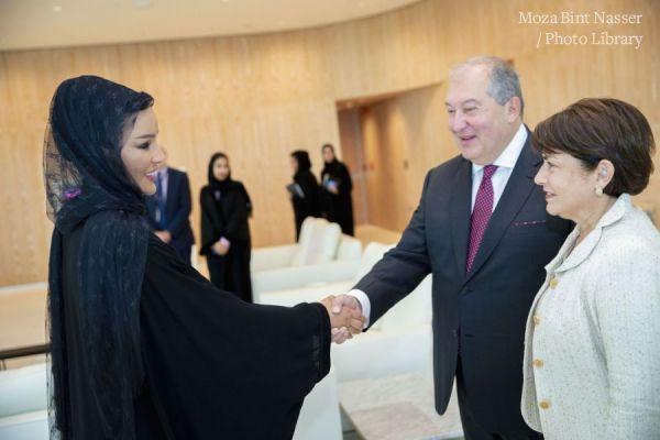صاحبة السمو اجتمت بفخامة  الرئيس أرمين سركسيان رئيس جمهورية أرمينيا وحرمه
