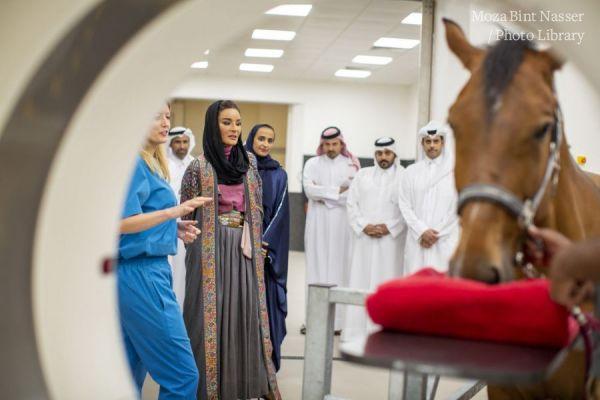 صاحبة السمو الشيخة موزا تفتتح المركز الطبي البيطري للخيل